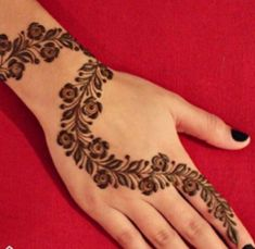 Collection of best and most simple mehndi designs for kids, babies, and toddlers to brighten their hands with great henna designs. Henna Hand Designs, Eid Mehndi Designs, Mehndi Designs Finger, Mehndi Designs For Beginners, Stylish Mehndi Designs, Mehndi Designs For Fingers, Mehndi Patterns, Beautiful Mehndi Design, Latest Mehndi Designs