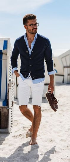Shorts is the coolest way to beat the heat and this is the time for gender equality and we want our men to be comfortably cool as well in this heat! Mens Fashion Wear, Men's Fashion, Fashion Styles, Mens Fashion Shorts, Mens Jeans Outfit, Mens Dress Shorts, Latex Fashion, Fashion Black, Fashion Outfits
