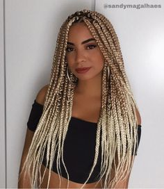 box braids medium long trends 2020 Hair styling adds an further beauty to a woman. Black or white, the hair style matters a lot in your social life. Afro Braids, Blonde Box Braids, Box Braids Hairstyles, African Hairstyles, Brown Box Braids, Box Braid Hair, Braids With Extensions, Afro Style, Small Braids