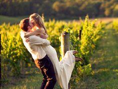 Yo me celebraría mi boda en plena naturaleza, y si es en una bodega, alrededor de viñedos, mejor que mejor ;-)
