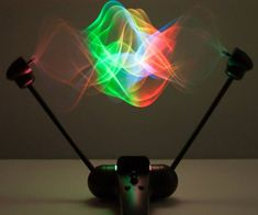 Mesmerize your eyes with unbelievable optical illusions made by this 3D light show display. This fascinating toy utilizes a simple string along to create amazing multi-dimensional shapes and effects you have to see to believe.