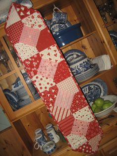 Table Runner Candy Kiss Table runner, by Cottage Rose Quilt Shop on Etsy.