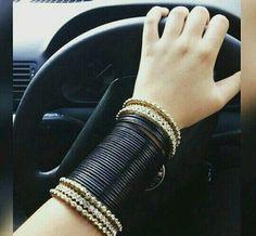 stylish new glass bangles designs for modern girls - Sari Info - freemonkey Fancy Jewellery, Stylish Jewelry, Bridal Bangles, Bridal Jewelry, Bangle Set, Bangle Bracelets, Sari, Fashion Bracelets, Fashion Jewelry