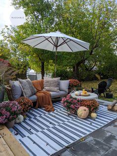 Outdoor Rugs, Outdoor Living, Outdoor Decor, Outdoor Landscaping, Backyard Patio, Deck Decorating, Patio Design, Decoration, Fresco