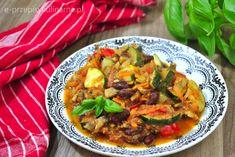 Wegetariański gulasz warzywny Ratatouille, Curry, Ethnic Recipes, Food, Tatoo, Curries, Essen, Meals, Yemek