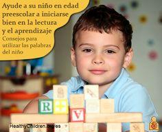 Cómo ayudar a que su niño en edad preescolar tenga un buen comienzo en la lectura y el aprendizaje antes de entrar al kínder. Consejos para los padres de cómo utilizar sus propias palabras en HealthyChildren.org/es