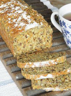 Saffron Buns Recipe, Copenhagen Cake, Christmas Bread, Food Fantasy, Swedish Recipes, Bread Cake, Santa Lucia, Bread Baking, Raisin