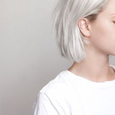 Most of us at some point wonder what we will feel like blond hair with sports hair. Whether it's to tidy blond hair with some highlights or 'go blonde' by whitening your brunette lock, there are so many different colors… Continue Reading → Pelo Casual, Casual Hair, Casual Updo, Short Hair Cuts, Short Hair Styles, Short Pixie, Blond Hairstyles, Scene Hairstyles, Blonde Haircuts