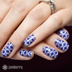 Jamberry hostess exclusive for October 2015. Absolutely gorgeous! Book your party and earn it for yourself! https://kimd.jamberry.com/