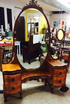 Before & After: Vanity Fit For a Queen | Stylish Patina - love this, mb!