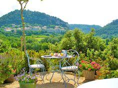 Breathtaking view at Le Bouquet de Seguret Guesthouse in Provence
