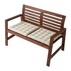 IKEA - ÄPPLARÖ, Ława z oparciem, na zewnątrz, brązowa bejca, , Wygięte oparcie zapewnia większy komfort siedzenia.Możesz sprawić, aby Twoja ławka była wygodniejsza i miała osobisty charakter, dodając poduszkę w ulubionym przez Ciebie stylu.Aby zwiększyć trwałość i możliwość cieszenia się naturalną ekspresją drewna, mebel został wstępnie pokryty kilkoma warstwami półprzezroczystej bejcy do drewna.