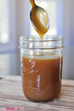 It's great to make caramel sauce with granulated sugar, but it can be tricky. Here is a quick and yummy version with brown Homemade Caramel Sauce ~ a jar of this makes a perfect gift! Homemade Carmel Sauce, Homemade Sauce, Carmel Sauce Recipe, Caramel Ice Cream Topping Recipe, Easy Carmel Sauce, Caramel Recipes, Candy Recipes, Sweet Recipes, Just Desserts