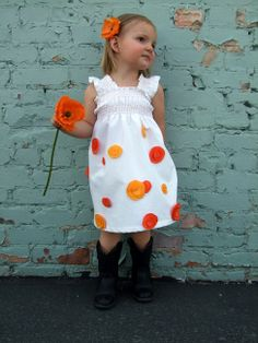 The Poppy Dress Tutorial {A Lemon Squeezy Home}, maybe some nice embroidery intsead. Sewing Projects For Kids, Sewing For Kids, Baby Sewing, Free Sewing, Cute Girl Outfits, Little Girl Dresses, Kids Outfits, Flower Girl Dresses, Sewing Kids Clothes