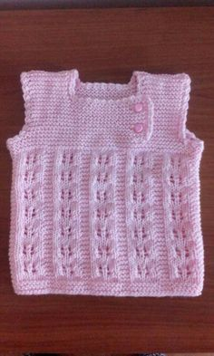 How to Crochet A Baby Hat: Newborn - Crochet Hood Crochet Hood, Crochet Shell Stitch, Chunky Crochet, Knit Crochet, Baby Cardigan, Newborn Crochet, Baby Blanket Crochet, Baby Knitting Patterns, Free Knitting