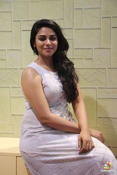 Indhuja Ravichandran Stills From Water World Inauguration - HD Photos Indian Actress Hot Pics, Most Beautiful Indian Actress, Beautiful Actresses, Indian Actresses, Beauty Full Girl, Cute Beauty, Beauty Women, Indian Natural Beauty, Indian Beauty Saree