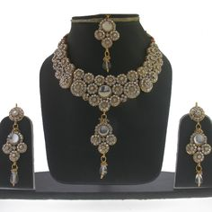 Shop for traditional Indian and Mughal Jewelery Indian Wedding Outfits, India Jewelry, Belly Dance, Jewelery, Earrings, Gold, Accessories, Beautiful, Fashion