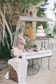 outdoor country wedding dessert table ideas