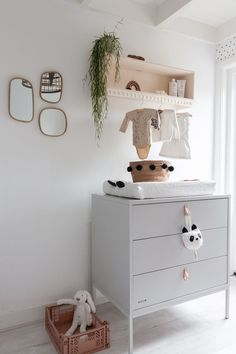 A peek into the baby room with a DIY commodity cupboard Babyroom tour Scandinavian Style Baby Bedroom, Baby Boy Rooms, Baby Room Decor, Nursery Room, Room Baby, Bedroom Wall, Newborn Room, Bedroom Decor, Diy Kids Room