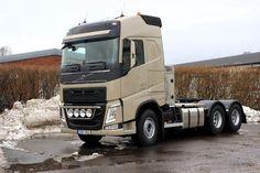 2015-01-08 Leverans av en FH 540, 6*4 dragbil. Utrustad med det bekväma tillvalet I-cool, även kallad nattkyla. Lycka till med nya bilen säger vi till Bil - & metallpressen AB