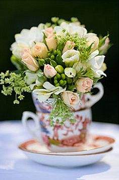 (More) Tea Cups flower arranging