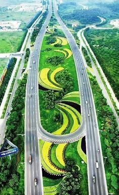 How Amazing Chinese Highway Beautiful Roads, Beautiful Places To Visit, Futuristic Architecture, Amazing Architecture, City Landscape, Landscape Design, City Skylines Game, Highway Road, Belle Villa