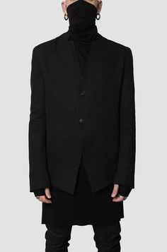 Men's black simple collar blazer from the AW17/18 collection from Leon Louis. Standard fit. Made from a medium weight, linen, wool and cotton blend weave fabric. 2 buttons with engraved logo at front for closing. 2 inset front side pockets and 2 inner pockets. Made in the EU. The model is 176cm / 62 kg and wears size S (1). Material composition:Main: 60% linen, 25% wool & 15% cotton Lining 1: 100% silk Lining 2: 100% cotton Article code: LLAW17M-BLZ01