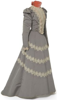 Dress in two parts, Felix House, Paris, circa 1897  Ottoman, muslin, machine-made lace, beading steel