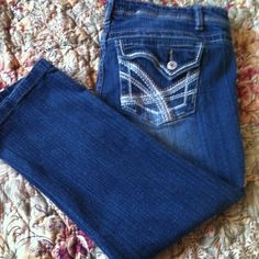 Rue21 Slim Bootcut Jeans Rue21 Slim Bootcut Jeans. Embroidered back pockets. Size 9/10 S .Good condition Rue 21 Jeans Boot Cut