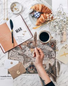 (PL↴) Have you ever chosen to return to a place you have already seen 📍instead of discovering a new destination? Aesthetic Coffee, City Aesthetic, Travel Aesthetic, Flat Lay Photography, Coffee Photography, Coffee World, World Map Art, Cute Wallpapers, Aesthetic Wallpapers