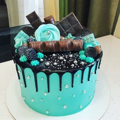 280 Likes, 4 Comments – Thad … - Cupcakes Birthday Cake Decorating, Cool Birthday Cakes, Cookie Decorating, Cute Cakes, Pretty Cakes, Fondant Cakes, Cupcake Cakes, Alcohol Cake, Gateaux Cake