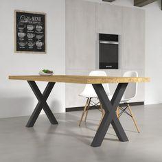 Tavoli da cucina - Tavolo da pranzo Deryck in legno massello, con basamento regolabile in metallo. Disponibile in 4 diverse finiture legno. Tavolo da soggiorno in stile moderno, design e materiali 100% made in Italy.