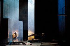 Aus einem Totenhaus. Staatsoper Berlin. Scenic design by Richard Peduzzi. (Photo by Monika Rittershaus.