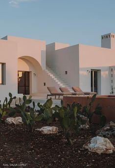 Villa Cardo in Puglia Contemporary Architecture, Interior Architecture, Design Exterior, Outdoor Baths, Villa, Dream Home Design, House Goals, Maine House, Future House