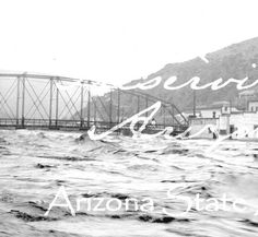 1916 Photograph of the flooding of the San Francisco River in Clifton (Ariz.)