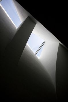 Steven Holl, the Museum of Contemporary Art Kiasma in Helsinki, Finland. Steven Holl Architecture, Shadow Architecture, Religious Architecture, Light Architecture, Beautiful Architecture, Architecture Details, Interior Architecture, Arch Light, Famous Architects
