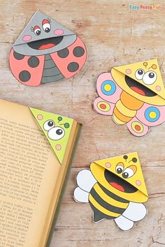 Bugs Corner Bookmarks With Template - Easy Peasy and Fun Diy Crafts For Gifts, Easy Diy Crafts, Crafts To Do, Spring Crafts For Kids, Summer Crafts, Paper Flowers For Kids, Snow Globe Crafts, Snail Craft, Turtle Crafts