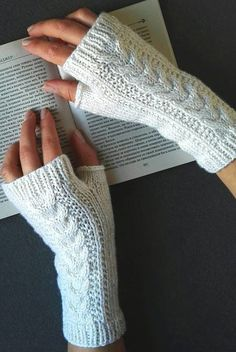 27 Comfortable And Free Crocheted Fingerless Glove Patterns 2019 – Page 27 of 27 – womenselegance. com – Crochet Crochet Fingerless Gloves Free Pattern, Crochet Mitts, Fingerless Gloves Knitted, Mittens Pattern, Free Crochet, Crochet Wrist Warmers, Knitting Patterns, Crochet Patterns, Crocheted Scarves Free Patterns