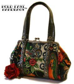 I. So. Totally. Need. This. Handbag.     Not even funny how bad I need it.
