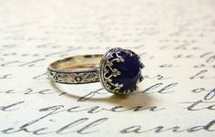 Beautiful Gothic Vintage Sterling Silver Floral Band Ring with Rose cut Blue Lapis Lazuli and Heart Bezel