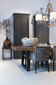 Keijser&Co Eetkamertafel Ypsilon Fauteuil Stella Kasten K&C Melanie Merk Dining Room Ideas eetkamertafel Fauteuil Kasten KeijserCo Melanie Merk Stella Ypsilon Dining Room Design, Dining Room Table, Wood Table, Room Inspiration, Interior Inspiration, Muebles Living, Fall Home Decor, Home And Living, Home Remodeling