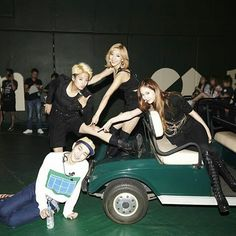 F(x) Luna Amber and Krystal with Onew