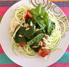 Raw spaguetti & spinach pesto