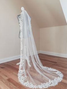 One Tier Veil Venice Lace Veil Floral Veil Modern Veil Bride Veil, Wedding Dress With Veil, Long Wedding Veils, Lace Wedding, Diy Wedding Veil, Dream Wedding, Long Lace Veils, Wedding Viel, Wedding Garters