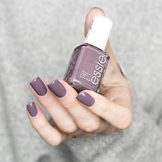 This 'merino cool' mani is the chicest accessory this winter! Shop this sensuous autumn mulberry nail polish for a cutting edge glamour look here: Love Nails, How To Do Nails, Fun Nails, Pretty Nails, Essie Merino Cool, Diy Nagellack, Fall Nail Colors, Nail Colors For Pale Skin, Pretty Nail Colors