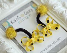 Itty Bitty Bumble Bee Antennae Snap Clips - Perfect for Birthdays and Costumes Ribbon Hair Clips, Diy Hair Bows, Ribbon Bows, Halloween Bows, Halloween Costumes For Kids, Halloween Birthday, Baby Costumes, Bumble Bee Birthday, Hair Bow Tutorial