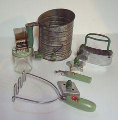 Mint green kitchen mixer, retro kitchen, vintage kitchen ...