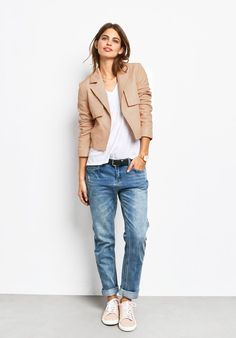 Distressed boyfriend jeans from Hush in a mid wash denim, fitting loosely through the leg with faded detail and rolled up hems. Source by unzipit jeans Look Fashion, Fashion Outfits, Fashion Design, Fashion Sale, Fashion Clothes, Paris Fashion, Fashion Fashion, Runway Fashion, Womens Fashion