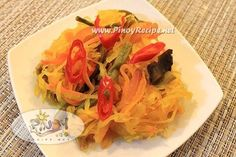 Achara or Atsara Recipe (Filipino pickled green papaya) Filipino Vegetable Recipes, Filipino Recipes, Asian Recipes, Healthy Recipes, Filipino Food, Ethnic Recipes, Filipino Dishes, Pinoy Food, Atsara Recipe