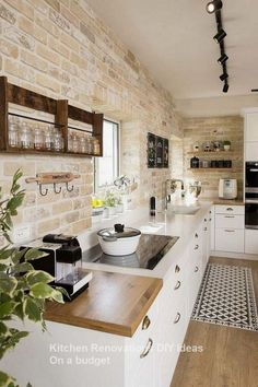 Popular Farmhouse Kitchen Cabinets Decor And Design Ideas To Fuel Your Remodel. Below are the Farmhouse Kitchen Cabinets Decor And Design Ideas To Fuel Your Remodel. This article about Farmhouse Kitchen Cabinets Farmhouse Kitchen Cabinets, Farmhouse Style Kitchen, Modern Farmhouse Kitchens, Kitchen Cabinet Design, Home Decor Kitchen, New Kitchen, Cool Kitchens, Kitchen Ideas, Farmhouse Ideas